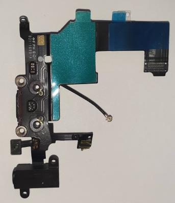 Шлейф для iPhone 5 черный, с разъемом зарядки