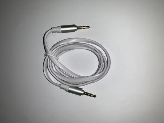Аудиокабель плоский 1 м. (белый/европакет)