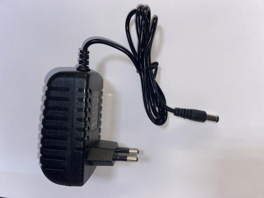 Блок питания универсальный 12V - 2A, 24W разъем 5x2.1мм, для IP-камер, различных планшетов, книг