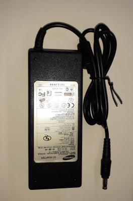 Блок питания для ноутбука Samsung 19V-4.74A, 90W разъем 5.5x3.0мм с иглой